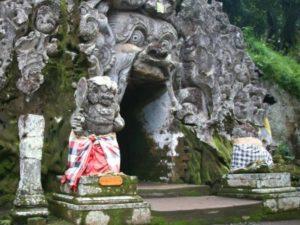 tempat wisata di Bali Sebagai panduan Goa gajah Bali